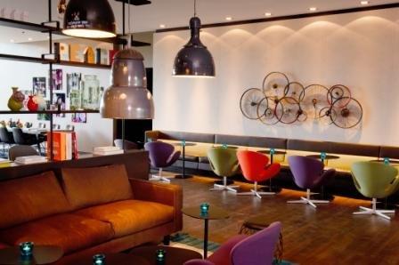 Motel one er ffnet in amsterdam hotelbau for Breckle matratzen motel one