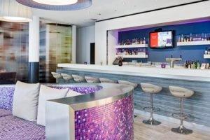 Die Bar des IntercityHotels Rostock. Bild: Deutsche Hospitality