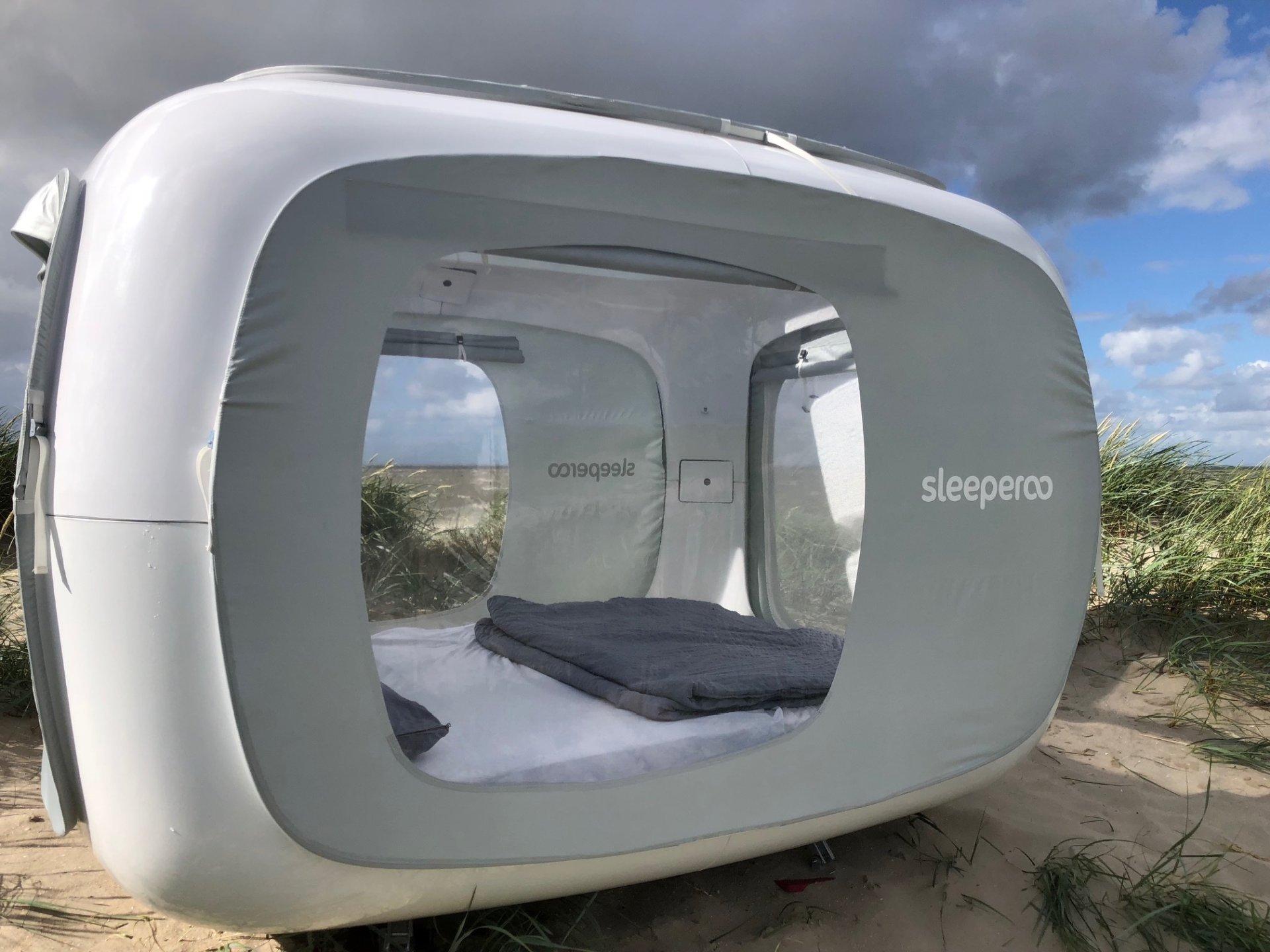 Ein Sleep Cube in den Dünen