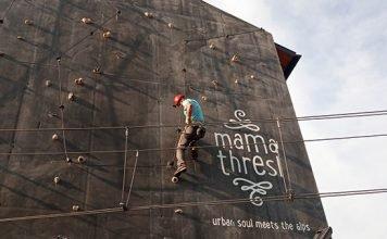 mama thresl Klettersteig an der Hauswand