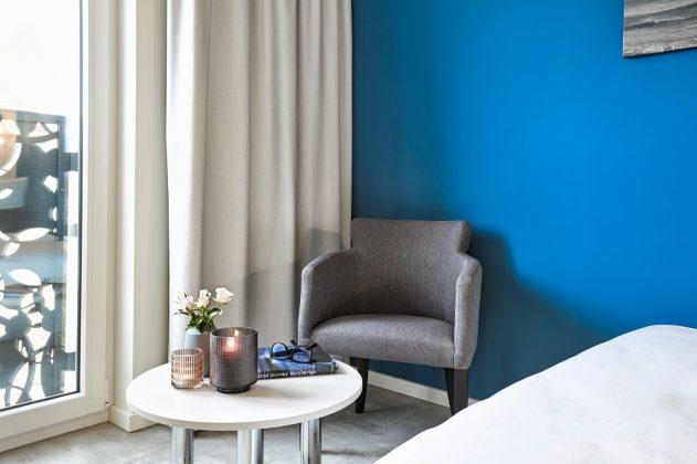 Statt eines Wohnzimmers verfügen die Apartments über eine Leseecke. Bild: H-Hotels.com