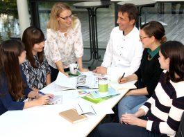 Teamfoto der Redaktion v.l.: Katrin Körfer, Miriam Glaß, Sandra Lederer, Detlef Hinderer, Petra Kellerer, Marie Graichen
