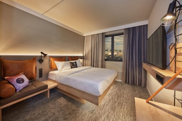 Die Zimmer sind eher dezent als Rückzugsort gestaltet. Bild: AI MXY Hotel Operations